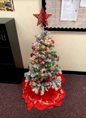 Ms. Qafiti's Christmas tree