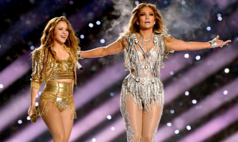 Jennifer Lopez and Shakira performing at the annual Super Bowl Halftime Show. Photo courtesy of: Wiki Commons