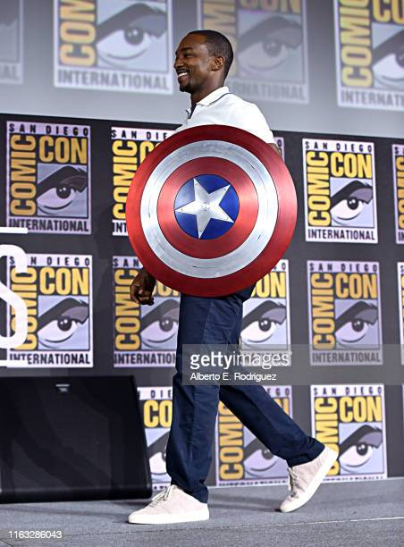 Anthony+Mackie+%28Sam+Wilson%29+holding+a+Captain+America+shield%0APhoto+courtesy+of%3A+Getty+images%0A