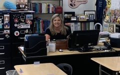 Mrs. Hargrave smiles as she gets ready for her AP Psychology class. (Image courtesy of Luis Ortiz)